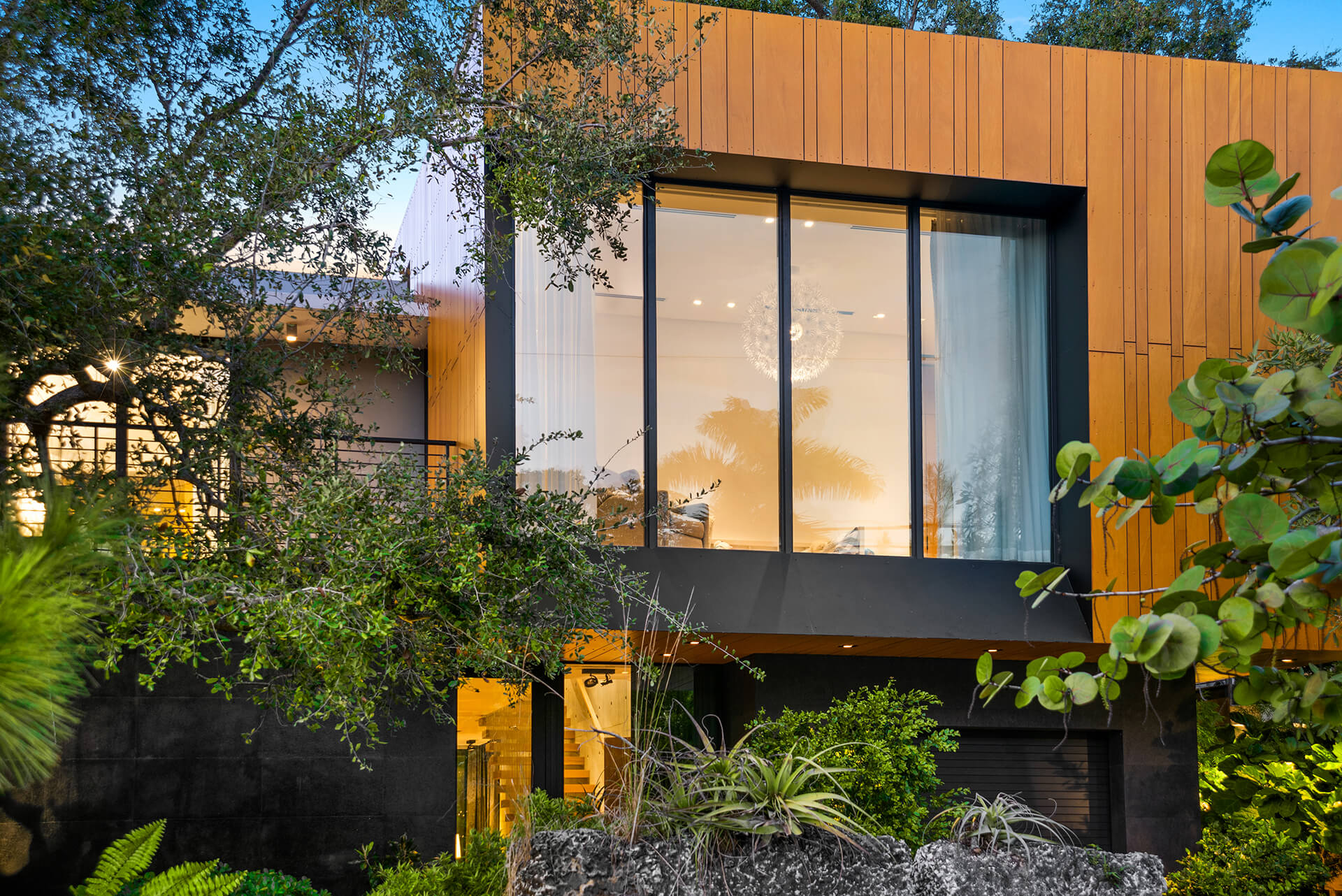 PARK GROVE RESIDENCE <br/> Tropical wildness